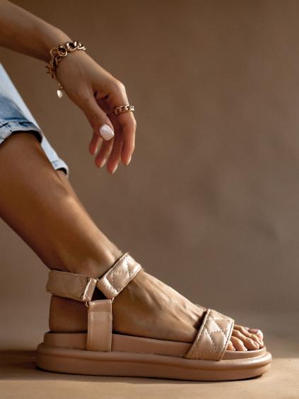 Světle růžové prošívané sandálky HOYT
