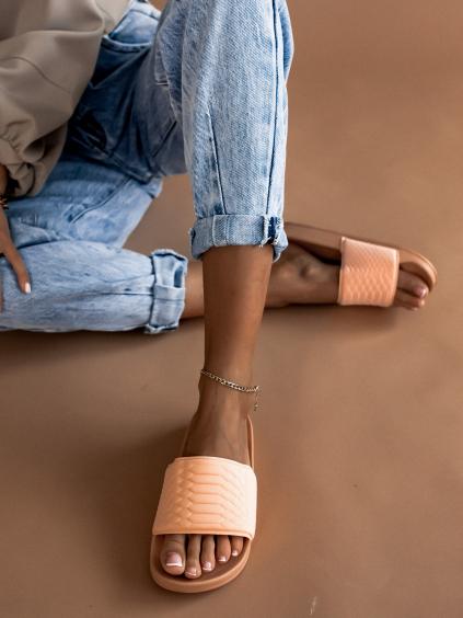 Světle růžové pantofle BONE
