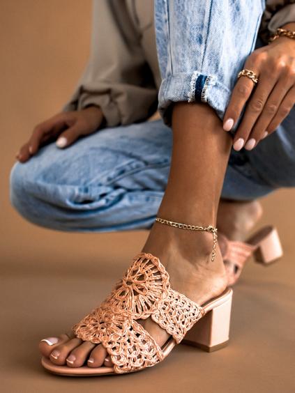 Růžové boty na silném podpatku BARNES