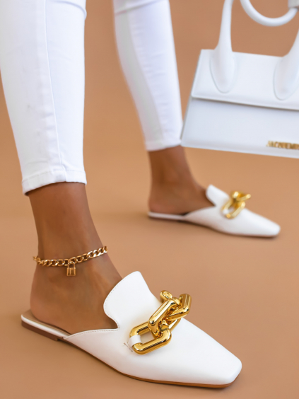 Bílé uzavřené pantofle ELLEN se zlatým doplňkem