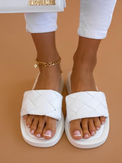 Bílé proplétané pantofle SPECIES