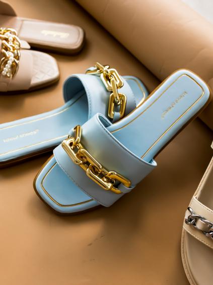 Světle modré pantofle MORTY  se zlatým řetízkem