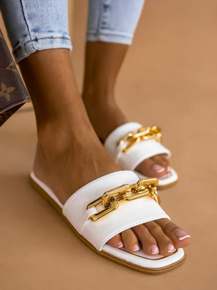 Bílé pantofle MORTY  se zlatým řetízkem