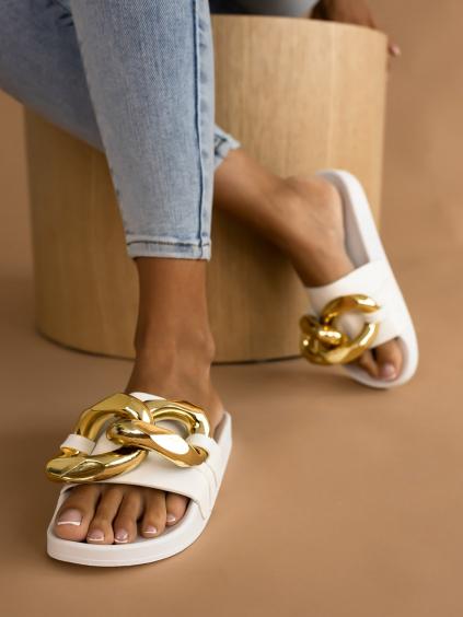 Bílé pantofle FEAR se zlatým zdobením
