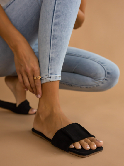 Černé semišové pantofle MOOD