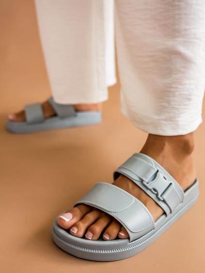 Šedé páskové pantofle DYNASTY