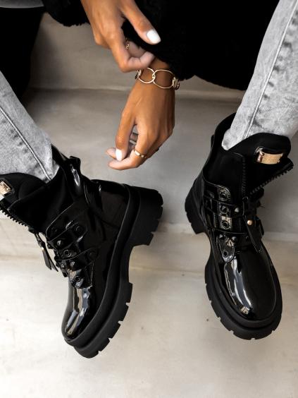 Černé lesklé boty SLOWN