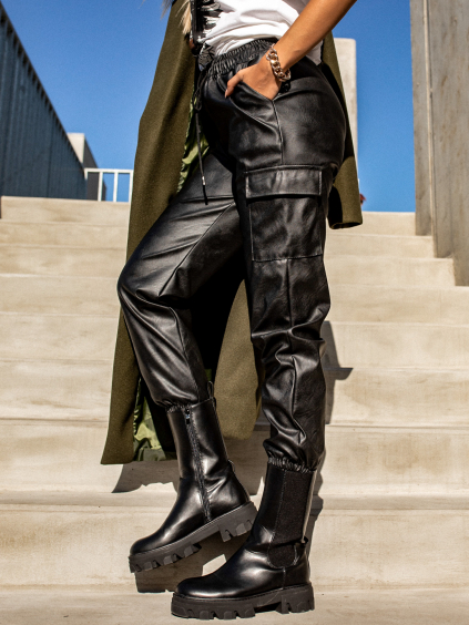 Černé koženkové kalhoty STORY s kapsami