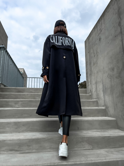 Černá delší lehká bunda CALIFORNIA s nápisem