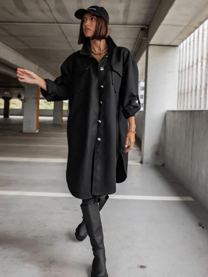 Černý kabátek EXCEPTS se zlatými knoflíky