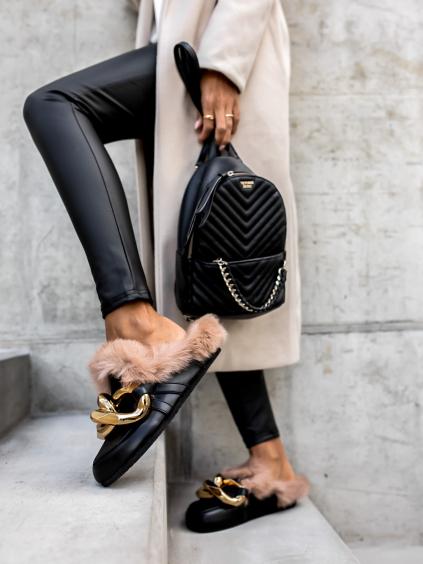 Černé pantofle POLLET se zlatým zdobením