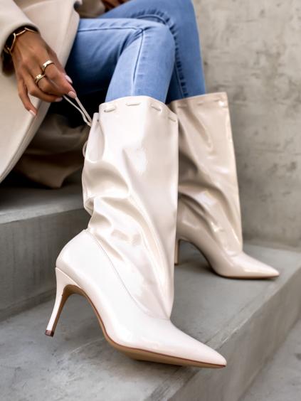 Béžové lesklé boty na podpatku LUMINE