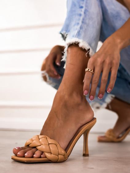 Béžové zapletené topánky na podpätku WIGGLE (Velikost 40)