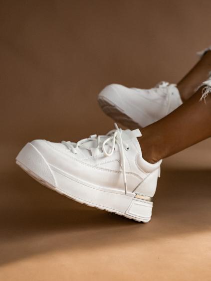 Biele vyvýšené tenisky so strieborným prúžkom INSANITY (Velikost 41)