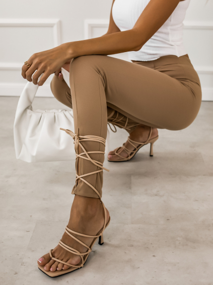 Béžové šnurovacie topánky na podpätku STRING (Velikost 41)
