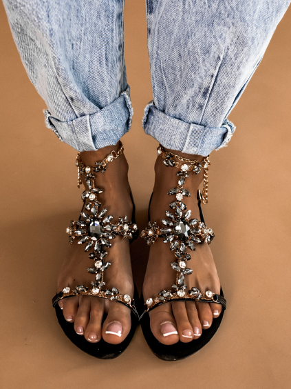 Čierne sandálky AISHA s výrazným zdobením (Velikost 41)