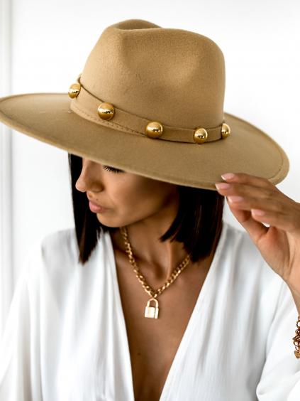 29406 bezovy klobouk billie se zlatymi detaily