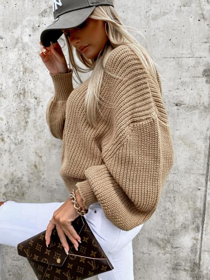 36261 5 hnedy pleteny svetr deity s volnymi rukavy
