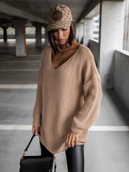 38391 4 hnedy pleteny svetr certain s vystrihem