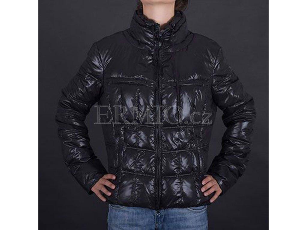 Luxusní Luxusní dámská bunda Armani v e-shopu   Ermio Fashion 95b88f8d5e
