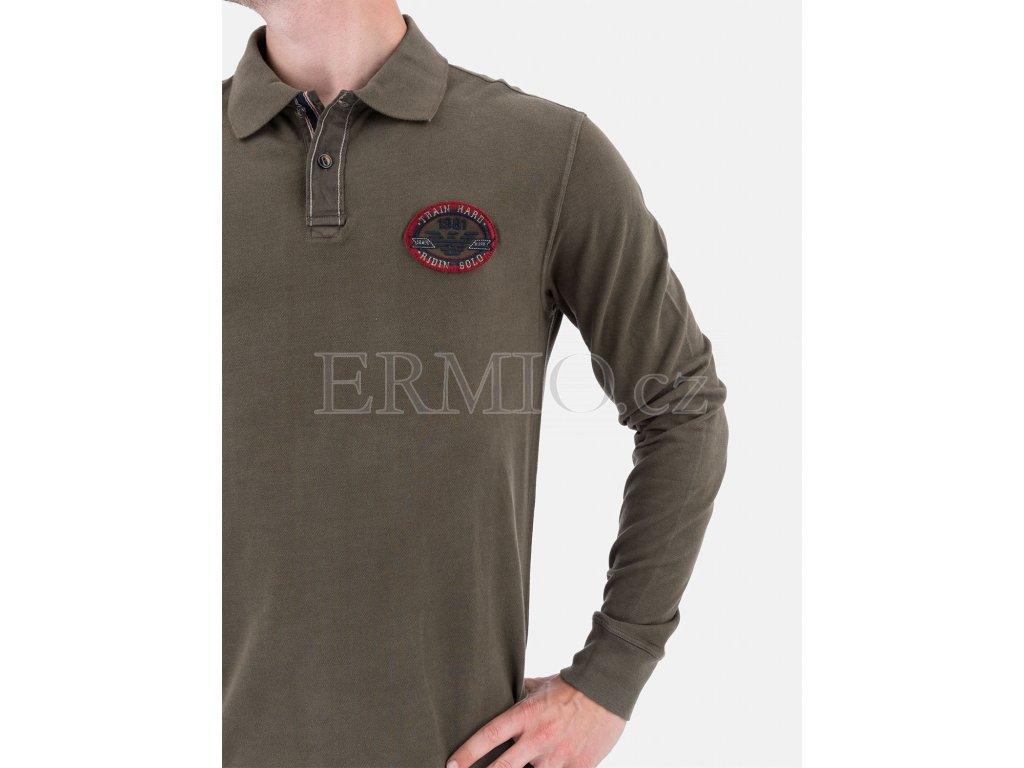 bce1faf95f3f Luxusní Zelené polo tričko Armani Jeans v e-shopu   Ermio Fashion