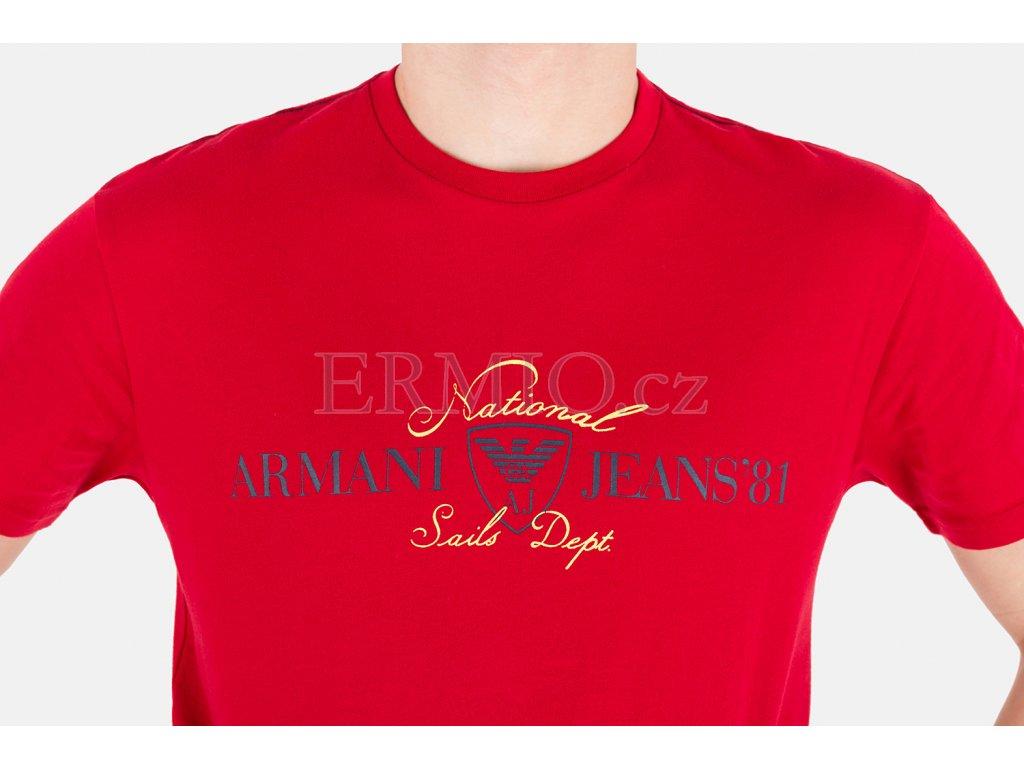 006a18d1fdc5 Luxusní Pánské červené tričko Armani Jeans v e-shopu   Ermio Fashion