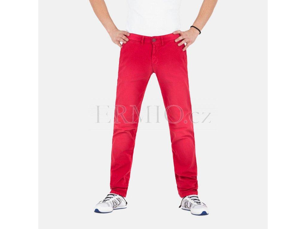 Luxusní Červené kalhoty Armani Jeans v e-shopu   Ermio Fashion b28e6eb226
