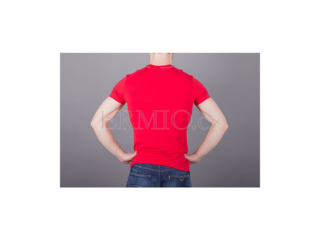 8d5d22f9f1bc Pánské červené tričko Armani · Pánské červené tričko Armani ...