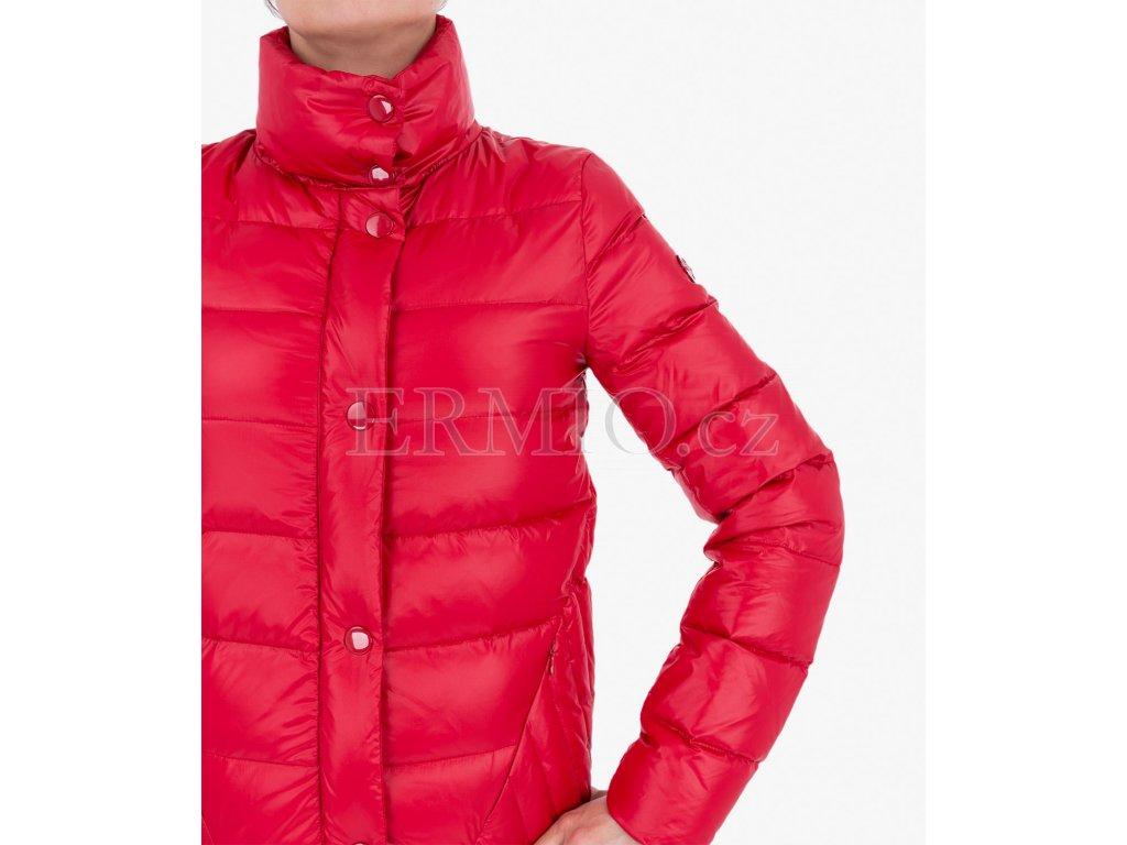 Luxusní Červená bunda Armani Jeans v e-shopu   Ermio Fashion bcb35299a4