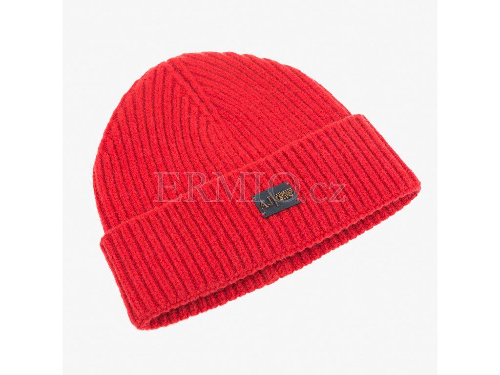 Luxusní Červená čepice Armani Jeans v e-shopu   Ermio Fashion 608cf300f7