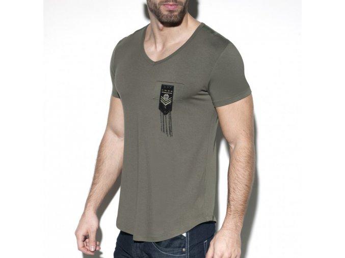 ts242 chains shield t shirt