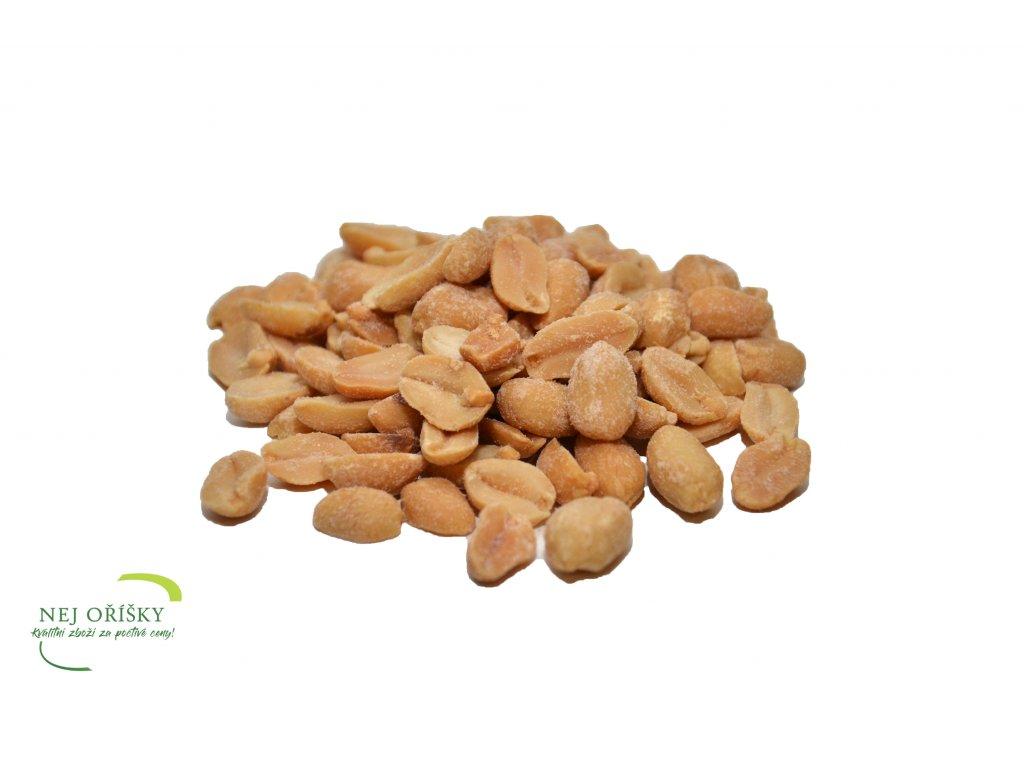 arašídy pražené solené