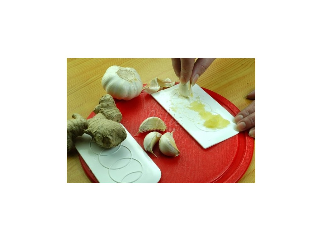 Kuchyňské stěrky a třítka na česnek a zázvor 2 v jednom