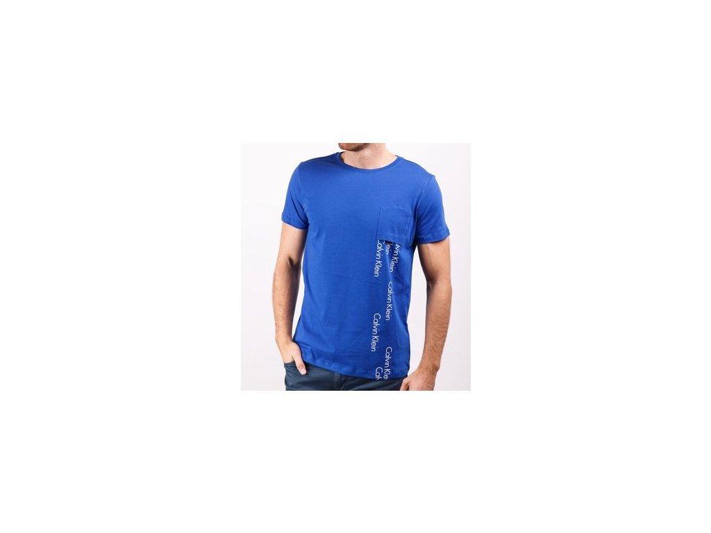 9735f6cd0c37 Pánské tričko Calvin Klein modré Logo Spill Crew Tee - neodolatelna.com