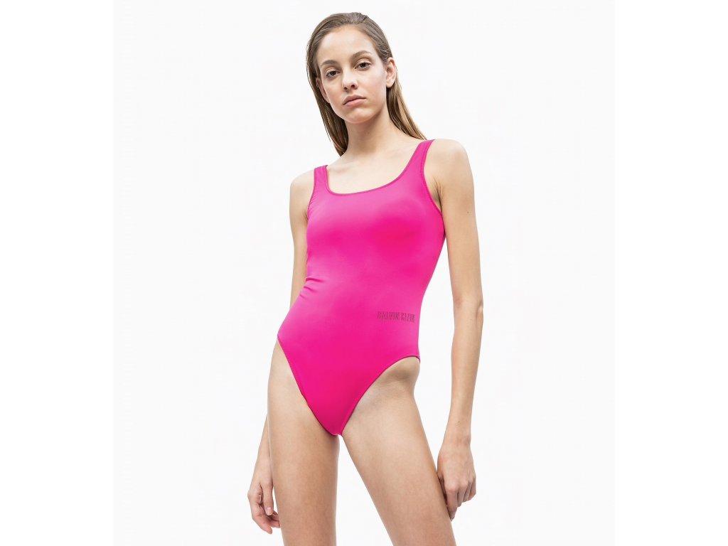 Calvin Klein Dámské plavky v celku růžové KW0KW00730_507  (SCOOP NECK SWIMSUIT - INTENSE POWER)