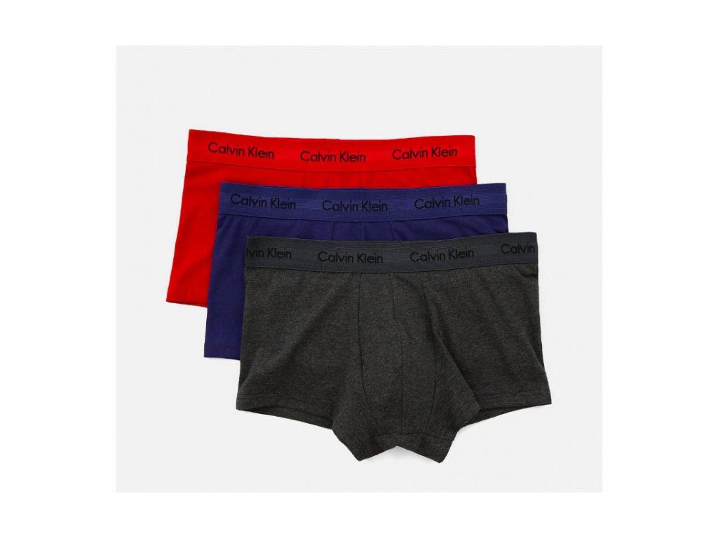 Calvin Klein 3KS BALENÍ Boxerek S KRATŠÍ NOHAVIČKOU - barva červená,modrá,šedá ( CK low rise trunks U2664G HWB)