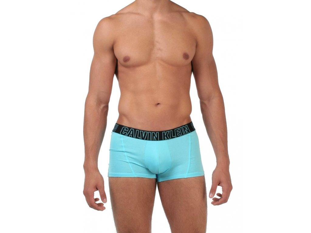 85f3e84e22 NU8674A-5BU c Pánské boxerky Calvin Klein ze Sport kolekce Performance -  Tyrkysová modrá