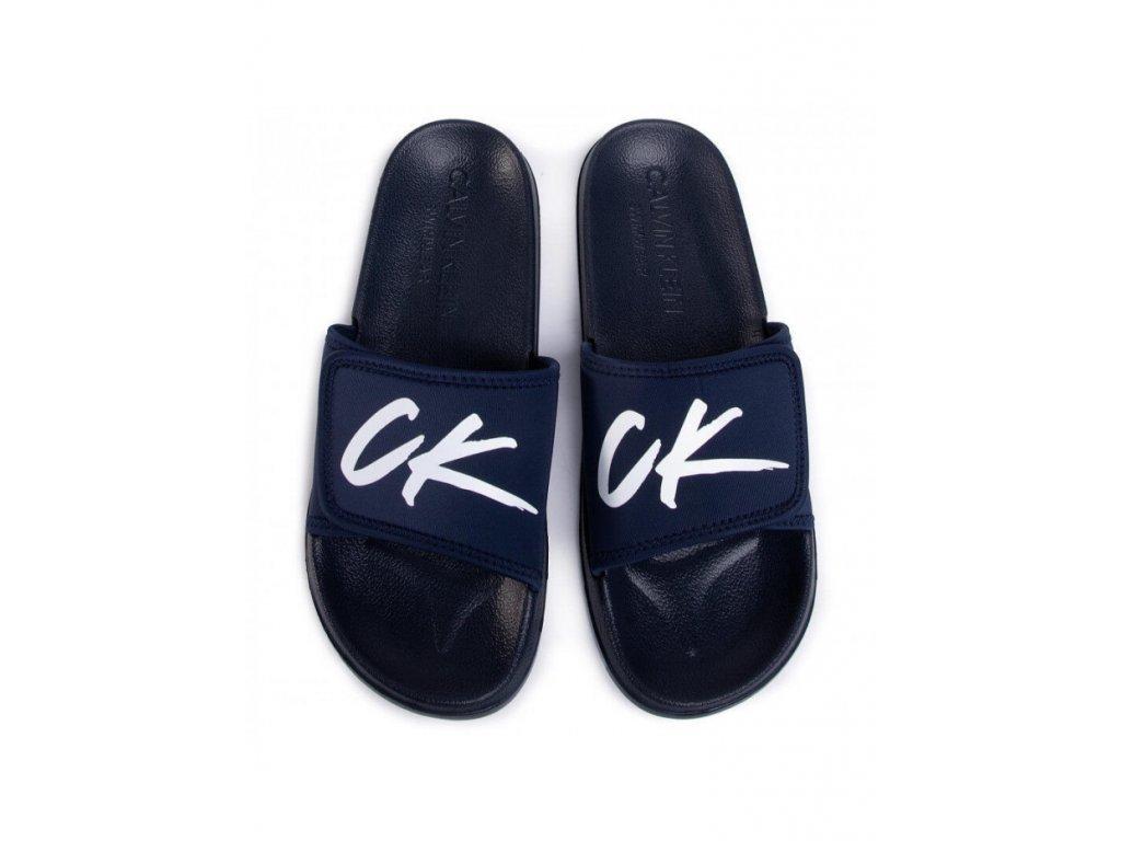 Calvin klein pánské Nazouváky bačkory papuče btmavě modré s bílým logem CK sliders KM0KM00499 CBK