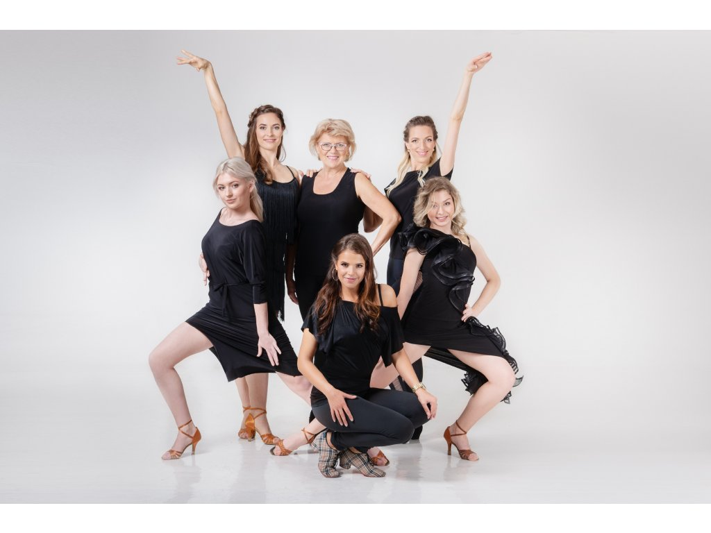 """Taneční víkend """"ŽENY SOBĚ"""" s wellness a kurzem líčení pro dámy Podbořany"""