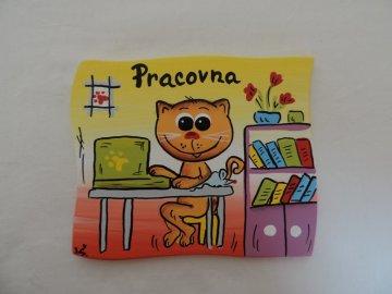 Dřevěná cedulka na dveře - PRACOVNA - kočička