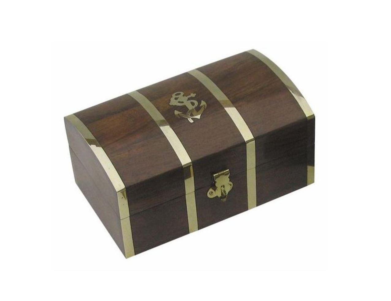 Námořnické dřevěné truhly, truhlice, krabičky a boxy