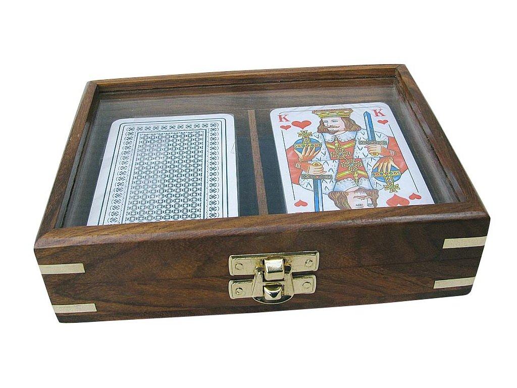 Karty v průhledném dřevěném boxu