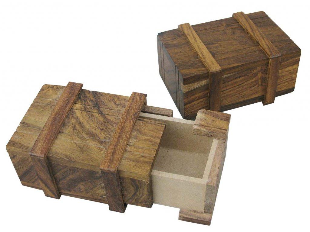 Dřevěná truhla - tajná schránka