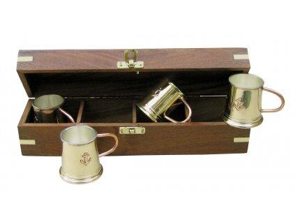 Mosazné hrnky na rum v dřevěném boxu