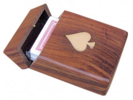 Karty v dřevěné krabičce