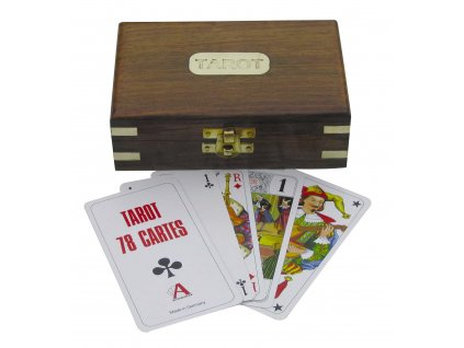 Tarotové karty v dřevěné krabičce