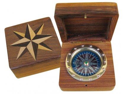 Kompas ve dřevě