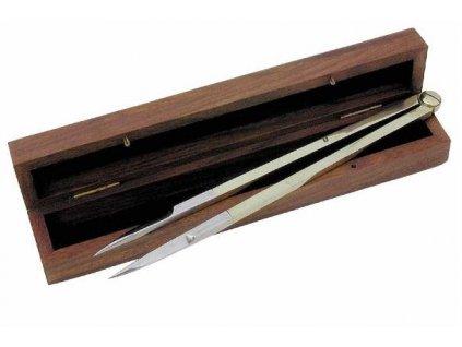 Námořní odpichovátko v dřevěném boxu