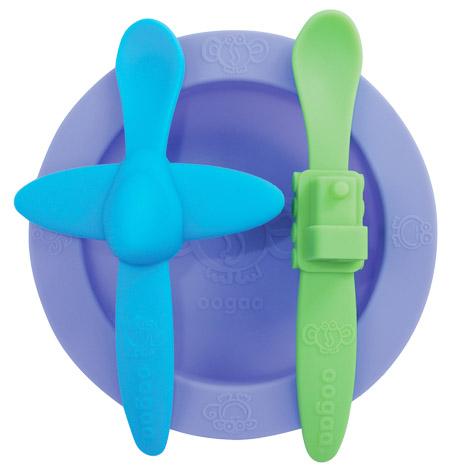 Oogaa Sada nádobí Varianta: fialová miska, modrá lžička letadélko, zelená lžička vláček