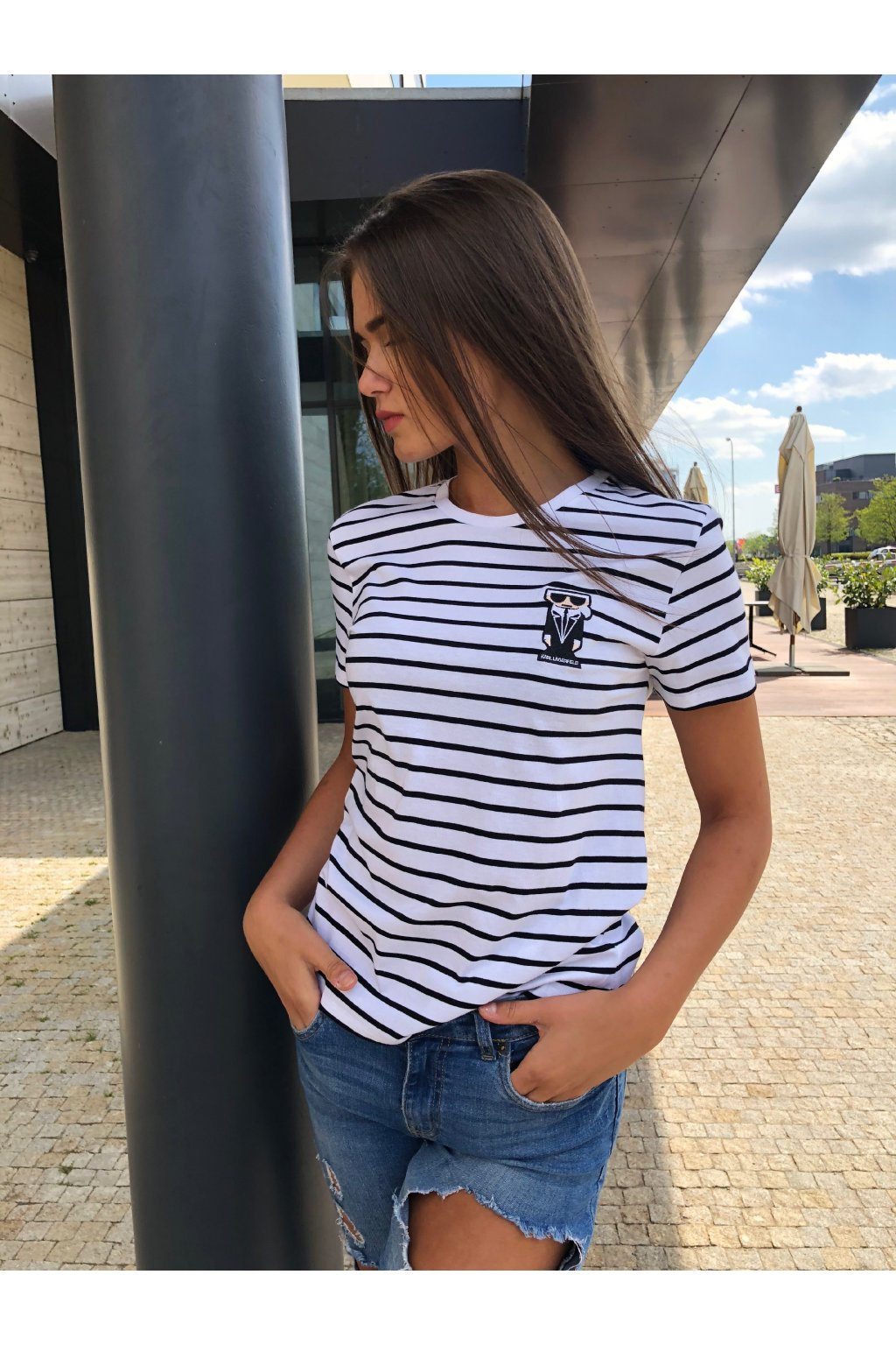 damske tricko karl lagerfeld kocktail karl stripe patch tee white black eshopat cz 4